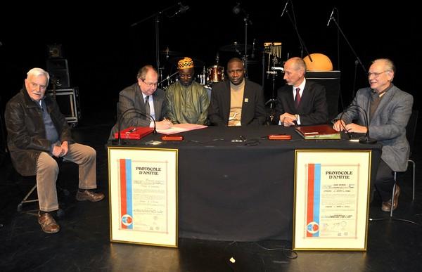 Poursuivre l'engagement pour le Mali